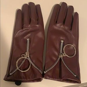 Accessories - Brand new maroon leather gloves